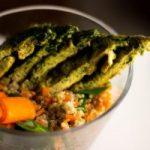 Omelette verde y quinoa con verduras salteadas Wheatgrass-VerdeVivo